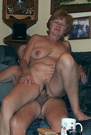 American mom nude